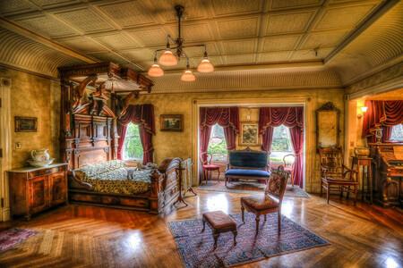 Mrs Winchester S Main Bedroom 2