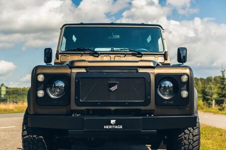 Land Rover Defender V8 Heritage Customs