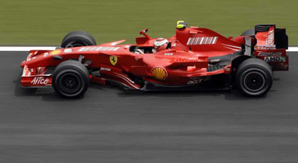 Los Ferrari siguen por delante de los McLaren