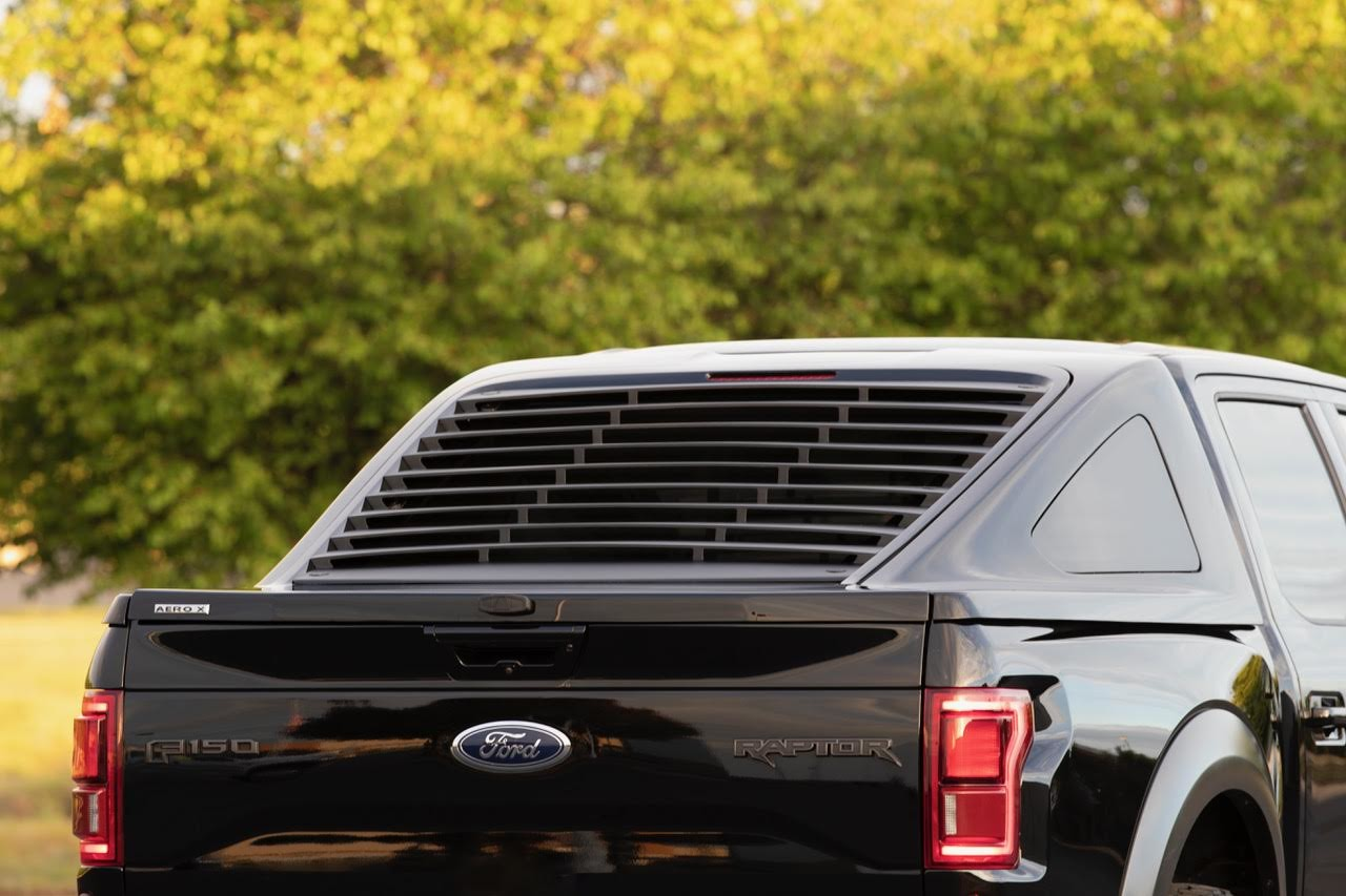 Foto de Ford F-150 Aeorx Fastback por Michigan Vehicle Solutions (10/12)