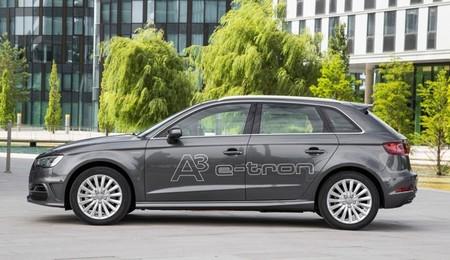 El Audi A3 sportback e-tron ha empezado a venderse en Alemania, en septiembre en España