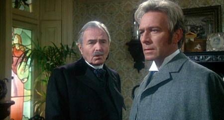 Sherlock Holmes, sobriedad, juventud y simpleza