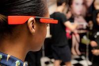 """La revolución en tutoriales de maquillaje gracias a Yves Saint Laurent y su """"beauty-alianza"""" con Google Glass"""