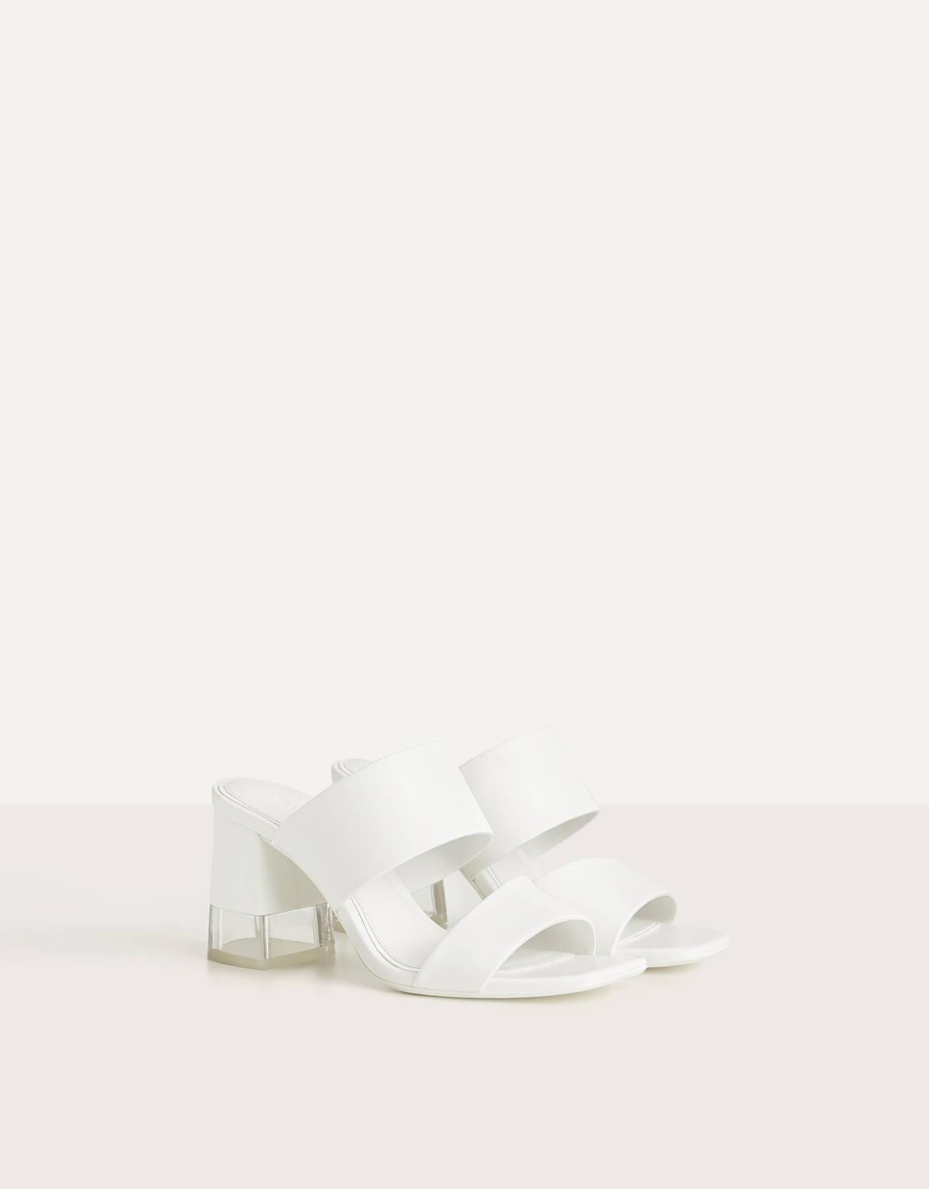 Sandalia destalonada tacón metacrilato