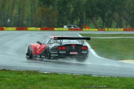 Sébastien Loeb también prueba suerte en los circuitos