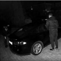 Consiguen robar un Tesla Model S hackeando y clonando su llave inalámbrica: y hasta lo podemos ver en vídeo