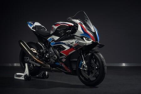 La BMW M 1000 RR será la moto de seguridad de MotoGP que acompañe a los renovados Safety Car de BMW