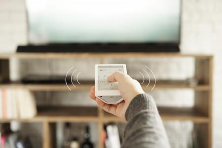 Sony HUIS, un mando a distancia universal con pantalla táctil de tinta electrónica