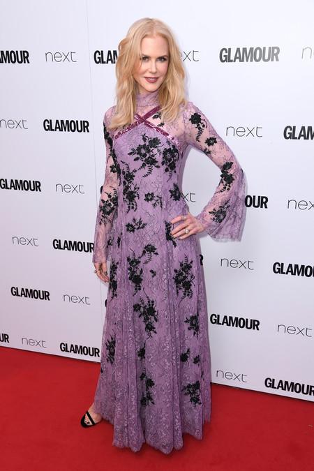 Nicole Kidman Lily James Anna Kendrick Look Glamour Awards 2017 Alfombra Roja 2