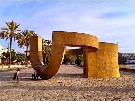 El Monumento a la Tolerancia en Sevilla