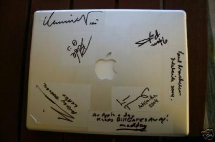 Se subasta un PowerBook con la firma de... Linus Torvalds