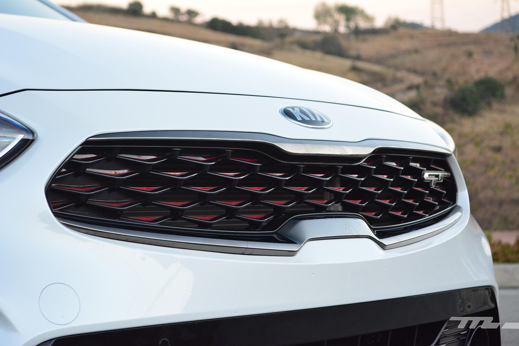 Foto de KIA Forte GT Hatchback (prueba) (23/23)