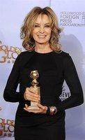 Entrevistamos a la diseñadora Kara Ross: Jessica Lange eligió sus complementos en los Globos de Oro