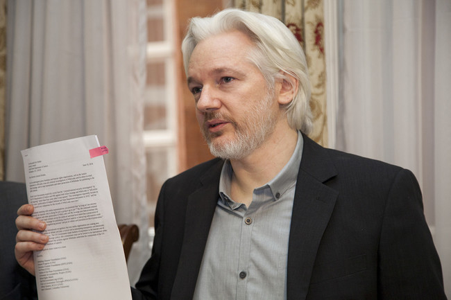 Assange pide a Suecia y Reino Unido su puesta en libertad