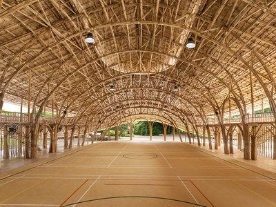 Esta arena deportiva ha sido fabricada únicamente con bambú, no contamina y es todo un ejemplo arquitectónico
