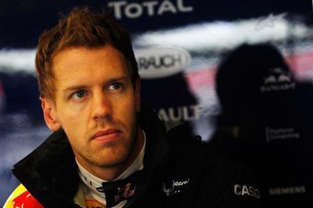 Sebastian Vettel no le cierra la puerta a Ferrari pese a la renovación de Fernando Alonso