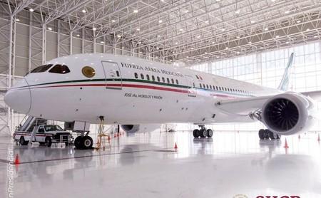 """218 millones de dólares volando: así es """"José María Morelos y Pavón"""" el avión que el nuevo gobierno de México puso a la venta"""