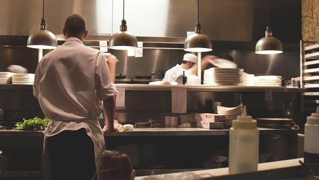 He trabajado más de una década en la cocina y la realidad de los stagiers es aún peor de lo que parece