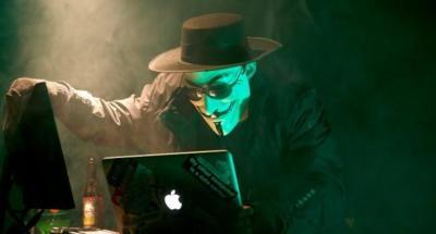 Dos grupos de hackers se enzarzan tumbando las redes de PlayStation y Xbox