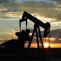 El precio del petróleo (y de los combustibles) reacciona con subidas al ataque de EEUU a Irán