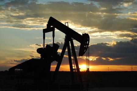 La demanda de petróleo se desploma por primera vez en una década a causa del coronavirus de Wuhan