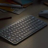 El nuevo Logitech MX Keys Mini es el teclado minimalista que apuesta por el dictado y hasta los emojis