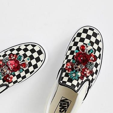 Vans lanza sus zapatillas clásicas en colaboración con Lirika Matoshi y el resultado es mágico