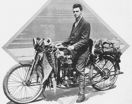 Carl Stearns Clancy y la más que atrevida primera vuelta al mundo en moto cuando ¡no existían ni carreteras!
