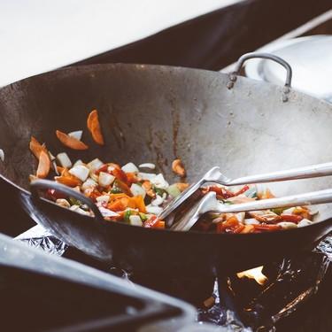 Salteado de vegetales con salsa ponzu. Receta oriental sencilla para días de puente