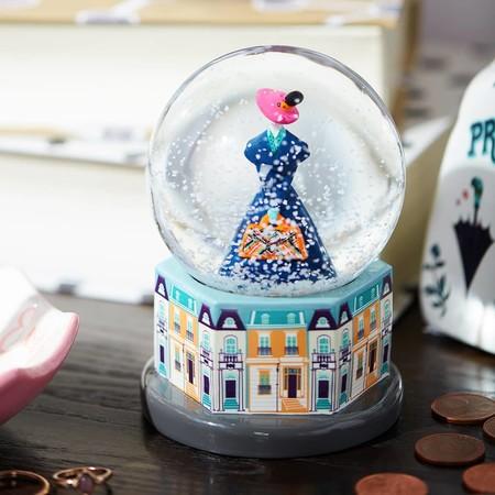 Las bolas de nieve de Los Aristogatos y Mary Poppins son la nueva taza de Chip de Primark