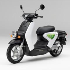 honda-arranca-la-comercializacion-del-scooter-electrico-ev-neo