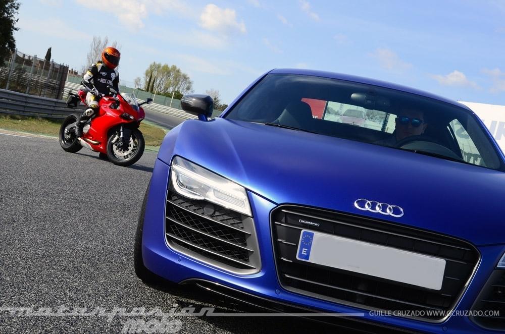 Foto de Ducati 899 Panigale Vs Audi R8 V10 Plus (19/24)