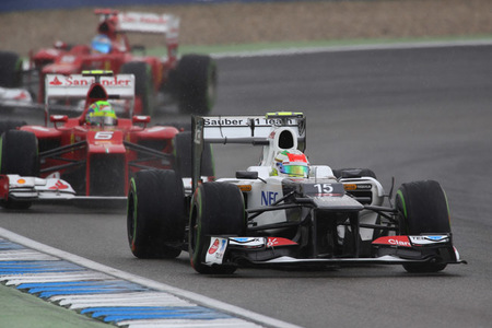 Sergio Perez sancionado por molestar durante la Q2