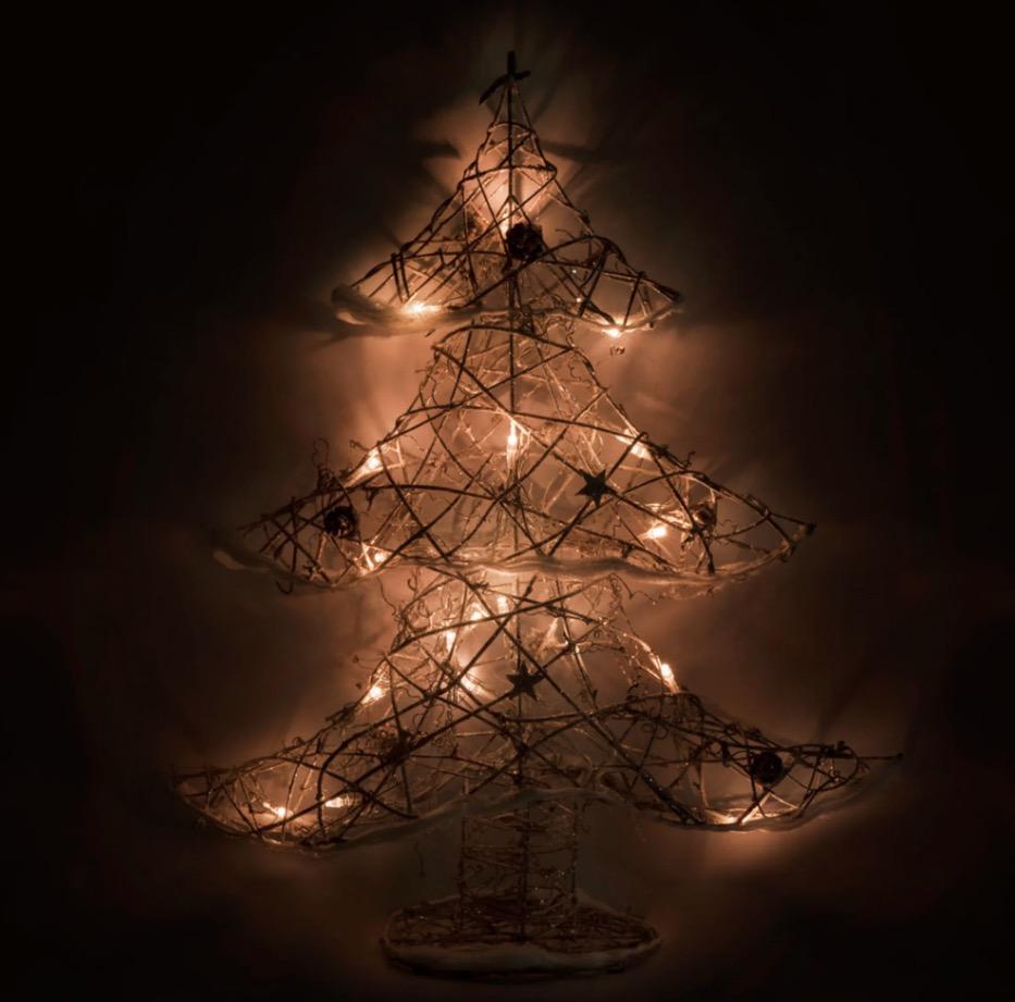 Árbol de Navidad luminoso de mimbre con efecto nieve Alt.50
