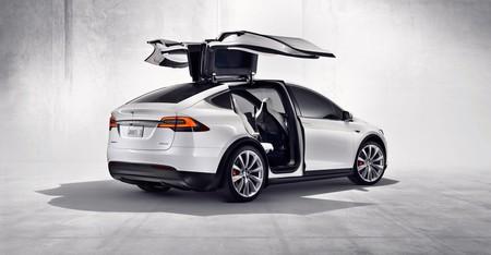 Así de llamativo es el huevo de pascua del Tesla Model X para este fin de año
