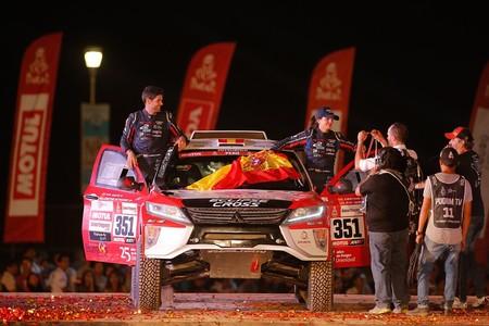 Los seis españoles que alcanzaron la meta del Dakar 2019 en coches