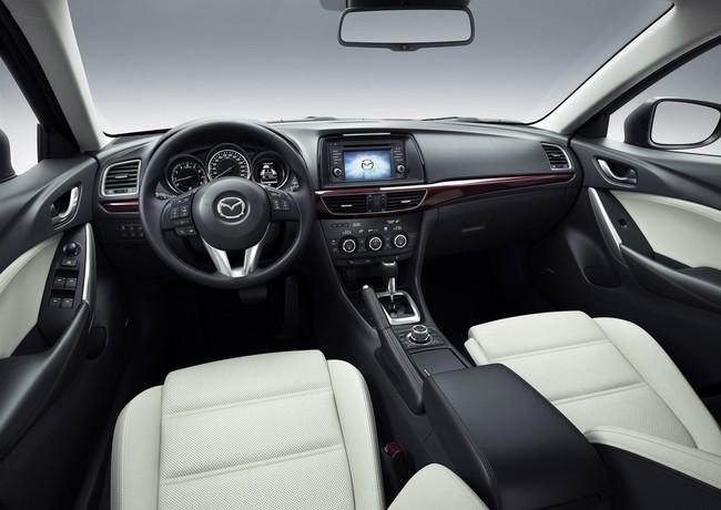 Mejores interiores según Ward's Auto 2013 - Mazda6