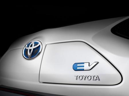 Toyota Iq Ev 8