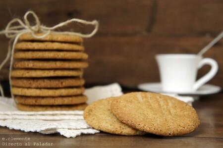 Receta de galletas de azúcar moreno, crujientes y especiadas
