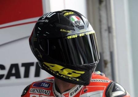 El nuevo casco de Valentino Rossi en los test de Sepang
