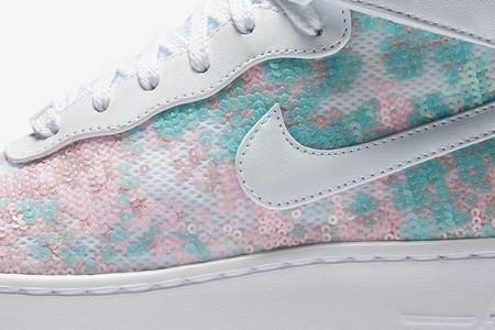 Estas nuevas deportivas de Nike son la versión moderna del zapato de cristal de Cenicienta