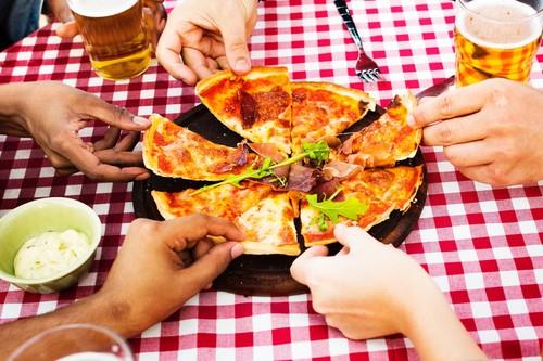 Nueve alimentos que deberías reducir en tu dieta si buscas adelgazar