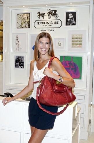 """Entrevistamos a la modelo Laura Sánchez: """"era adictivo estar en el centro de la creación"""""""