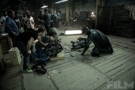 Snyder observa el rodaje de una escena con Batman