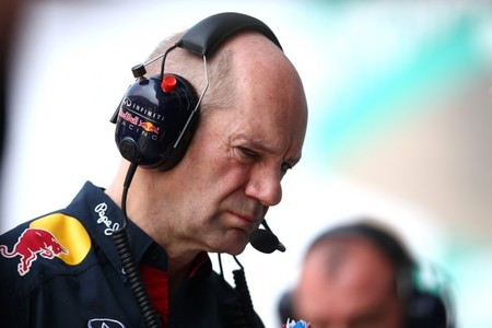 ¿Intenta Ferrari fichar a Adrian Newey de nuevo?