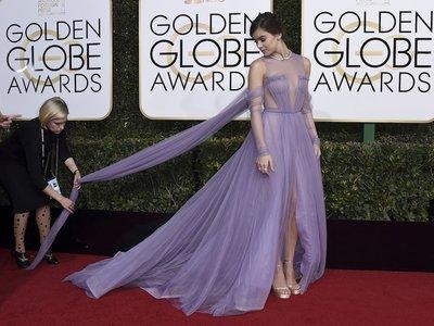 Hailee Steinfeld no solo actúa y canta bien, es una de las mejor vestidas de los Globos de Oro 2017