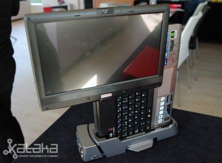 Gigabyte T1125N. Primeras impresiones del portátil-tablet-nettop-sobremesa-todo en uno convertible