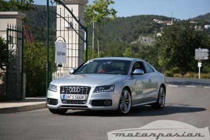 Séquito de Audi A5 y S5 deambulando por Mallorca
