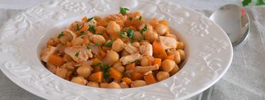 Garbanzos con pollo asado y zanahoria. Receta saludable
