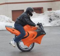 La moto de una sola rueda (No es Photoshop)